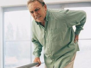 Боль и скованность - явные признаки остеохондроза