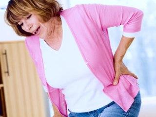 Боль в спине - первый симптом ущемления